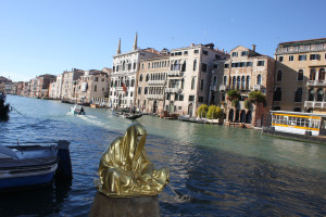 european-cultural-centre-venice-biennale-contemporary-art-show-sculpture-fine-arts-public-statue-guardians-of-time-manfred-kili-kielnhofer-9846